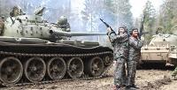 Поездка на боевом БМП-1 или боевом танке Т-55 спосещением музея cкомпанией «Воентур-М». <strong>Скидкадо53%</strong>