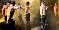 Билет для женщин на «Шоу под дождем III» в «Мюзик-Холле» 9 марта. <b>Скидкадо51%</b>