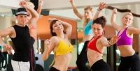 Занятия потанцевальным или фитнес-направлениям навыбор встудии Flash. <b>Скидкадо83%</b>