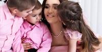 <b>Скидка до 85%.</b> Тематическая фотосессия для одного, «Будущие родители», «Лучшие подруги» или семейная навыбор встудии ArtWork