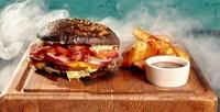 <b>Скидка до 67%.</b> Отдых для двоих или четверых сбургерами, картофелем, паровым коктейлем влаундж-баре Mansion