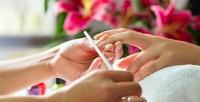 <b>Скидка до 60%.</b> Маникюр ипедикюр сдизайном ногтей ипокрытием лаком или Shellac всалоне «7я»