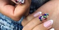 <b>Скидка до 56%.</b> Комбинированный маникюр ипедикюр спокрытием ногтей гель-лаком всалоне красоты «Морион»
