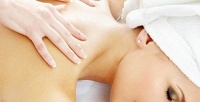 <b>Скидка до 72%.</b> Сеансы массажа спины ишейно-воротниковой зоны, ступней иног, общего, лимфодренажного либо антицеллюлитного массажа встудии красоты «Яблоко корица»