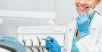 <b>Скидка до 76%.</b> Чистка зубов потехнологии AirFlow, лечение кариеса сустановкой пломбы, удаление или эстетическая реставрация зубов вцентре стоматологии WhiteWall