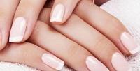 <b>Скидка до 60%.</b> Аппаратный маникюр спокрытием гель-лаком, укрепление ногтей цветным гелем, наращивание ногтей идизайн двух ногтей вкабинете маникюра Дарьи Малой