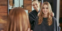 <b>Скидка до 70%.</b> Стрижка, окрашивание, мелирование, кератиновое восстановление, ламинирование волос всалоне «Индустрия красоты»