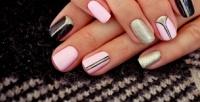 <b>Скидка до 68%.</b> Маникюр или педикюр спокрытием ногтей гель-лаком либо лечебным лаком навыбор всалоне красоты Golden Style