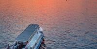 <b>Скидка до 80%.</b> Романтический круиз ссаксофоном под разводными мостами надвухпалубном теплоходе откомпании «Звезды Невы»