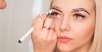 <b>Скидка до 77%.</b> Перманентный макияж век, бровей или губ встудии красоты «Элен»