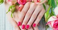 <b>Скидка до 51%.</b> Маникюр ипедикюр спокрытием гель-лаком или наращивание ногтей оттерритории красоты «Милашки»