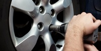 <b>Скидка до 72%.</b> Шиномонтаж ибалансировка 4колес радиусом доR24 для легкового автомобиля или диагностика, чистка изаправка автокондиционера отшиномонтажного центра «Мастер»