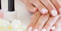 <b>Скидка до 61%.</b> Маникюр или педикюр покрытием гель-лаком, коррекция или гелевое наращивание ногтей встудии красоты «Цvети»