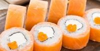 Сет изроллов отслужбы доставки суши RollHouse42со скидкой60%