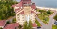 <b>Скидка до 50%.</b> Отдых наберегу озера Смолино сзавтраками, игрой вбильярд, пользованием мангальной площадкой взагородном отеле «Смолино парк отель»
