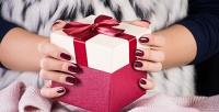 <b>Скидка до 53%.</b> Комбинированный маникюр ипедикюр спокрытием ногтей гель-лаком или без встудии «Орхидея»