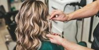 <b>Скидка до 70%.</b> Стрижка, сложное окрашивание, флисинг, кератиновое выпрямление или восстановление, ботокс волос, коррекция иокрашивание бровей всалоне красоты «Бриллиант»