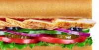Сэндвичи, роллы или салаты всети ресторанов быстрого питания Subway соскидкой50%