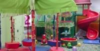 <b>Скидка до 55%.</b> Празднование дня рождения для компании до12детей и12взрослых либо посещение детской игровой комнаты для одного или двоих вдетском центре «Капитошка»
