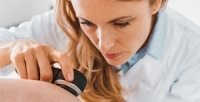 <b>Скидка до 67%.</b> Удаление бородавок, гемангиом, «винных пятен» иконсультация врача вцентре косметологии «Эво Клиника»