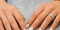 <b>Скидка до 60%.</b> Маникюр ипедикюр спокрытием идизайном ногтей либо без встудии маникюра FreshManik