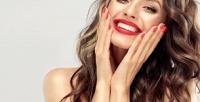 <b>Скидка до 65%.</b> Мужская или женская стрижка, укладка, ботокс, окрашивание, кератиновое восстановление волос либо архитектура иокрашивание бровей вцентре красоты «Maрия»