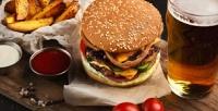 <b>Скидка до 54%.</b> Пенный напиток сбургерами или закусками вбаре Tatler Bar