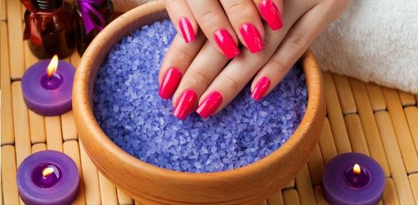 Маникюр спокрытием или наращивание ногтей встудии красоты «Мандарин»