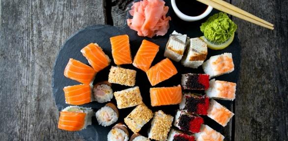 Сеты роллов «Якитория», «Яркий», «Токио», «Оазис» отресторана Sushi Ostrov
