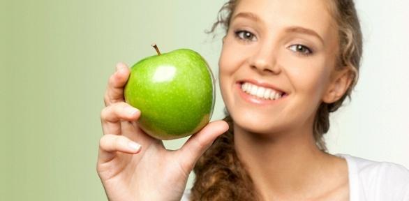 УЗ-чистка зубов или лечение кариеса встоматологии «Зеленое яблоко»