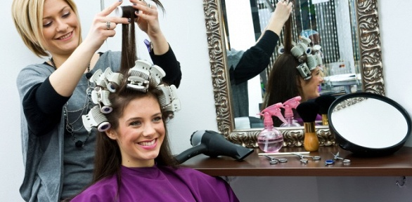 Стрижка, окрашивание, биоламинирование волос, ботокс всалоне «Павлин МТ»