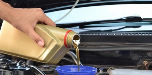 Замена технических жидкостей идеталей авто вавтомастерской FrFix &Ride