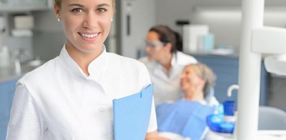 Гигиена полости рта, отбеливание илечение кариеса встоматологии «Гливит»