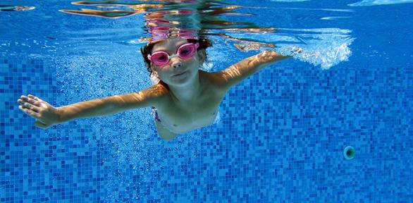 До8занятий плаванием вдетском центре «Капелька»