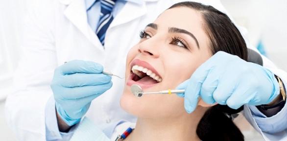 Чистка зубов, лечение кариеса встоматологии «Дентал-Арт»