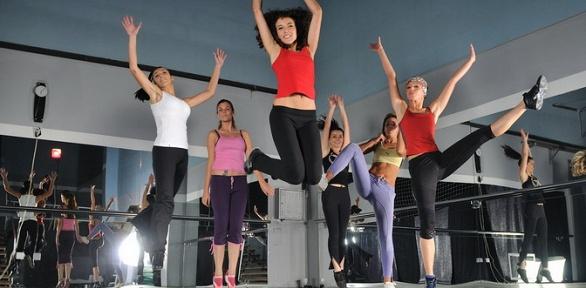 Фитнес-йога, танцы вклубе «Перезагрузка»