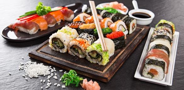 Роллы, суши инаборы отслужбы доставки Wasabi заполцены