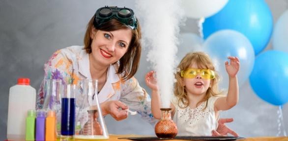 Занятия для детей вклубе юных химиков «Фарадей»