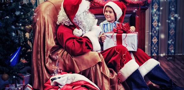 Новогоднее поздравление отДеда Мороза иСнегурочки