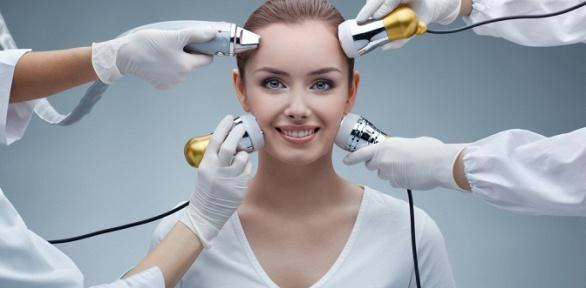 Чистка, пилинг навыбор или SPA-уход для лица всалоне красоты Deluche