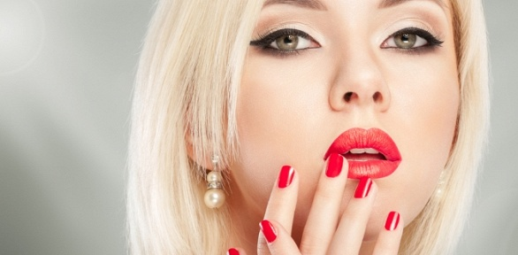 Стрижка, ламинирование, ботокс или окрашивание волос всалоне красоты Fresh