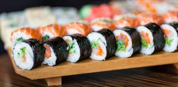 Роллы или сет навыбор отсуши-бара Sushi Bar Chef