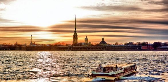 Экскурсионный тур вСанкт-Петербург вавгусте