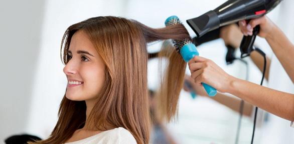 Стрижка, укладка, окрашивание волос всалоне «Мэри»
