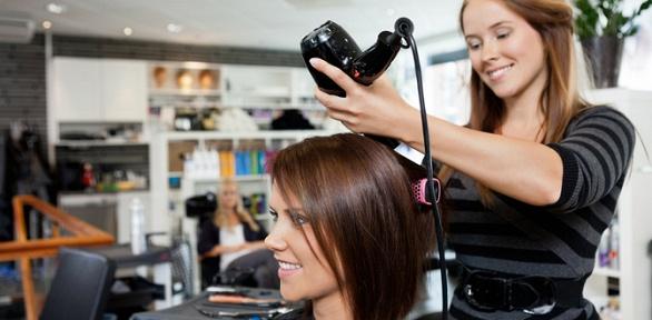 Стрижка, окрашивание, укладка волос всалоне «Кокетка»