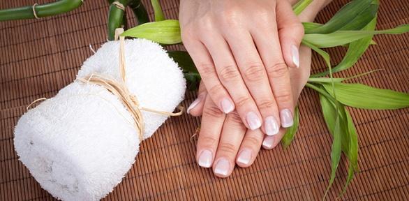 Маникюр ипедикюр спокрытием гель-лаком встудии Nails &Beauty Studio