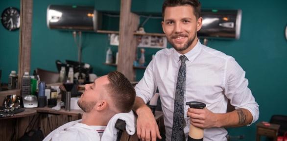 Мужская идетская стрижка, моделирование бороды отбарбершопа «Братишка»