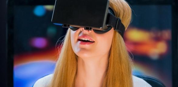 3, 6или 12игр вшлеме HTC Vive от«Клуба виртуальной реальности»