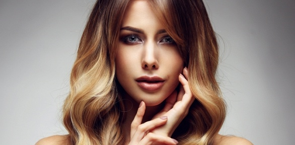 Стрижка, окрашивание или экранирование волос вцентре красоты Brilliants
