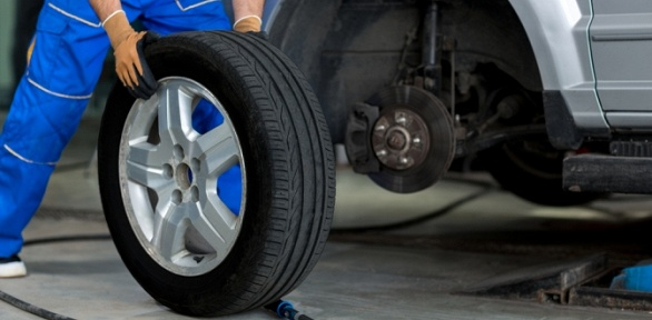 Шиномонтаж или ремонт шин вмастерской Auto Room Perm